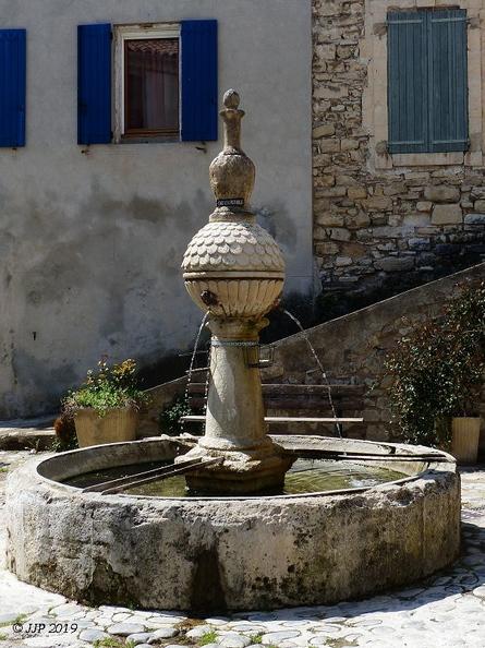 Fontaines de France et d'ailleurs - Page 4 20190425210045-5f3e41ae-me